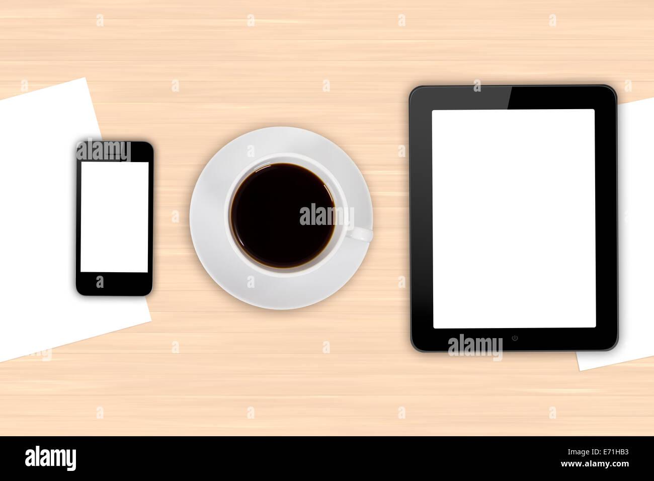 Vue de dessus du milieu d'affaires moderne, tablette numérique et smart phone avec écran vide blanc vide, stylo, tasse de café noir dr Banque D'Images