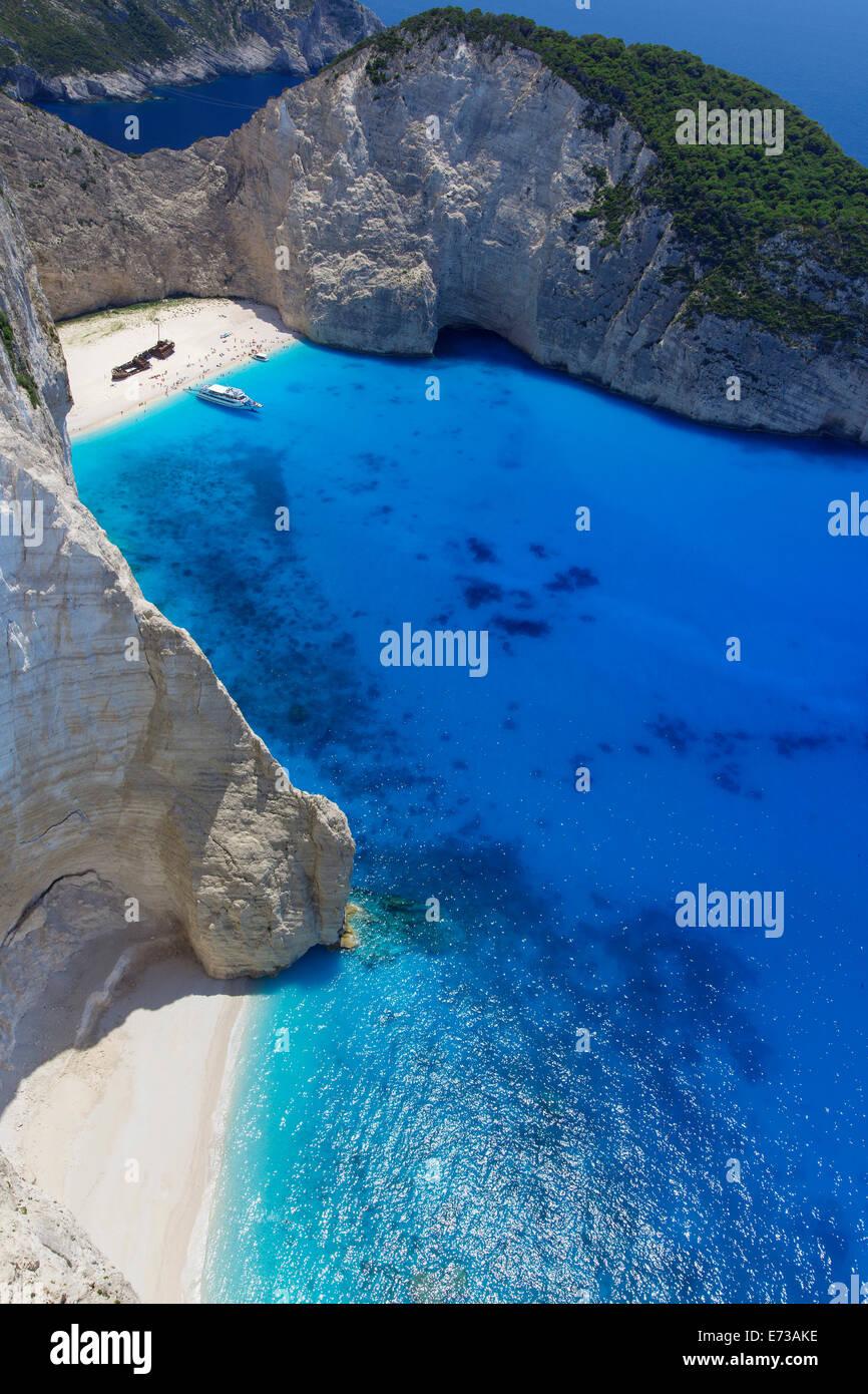 Plage de Navagio et naufrage à Smugglers Cove, sur la côte de Zante, îles Ioniennes, îles grecques, Photo Stock