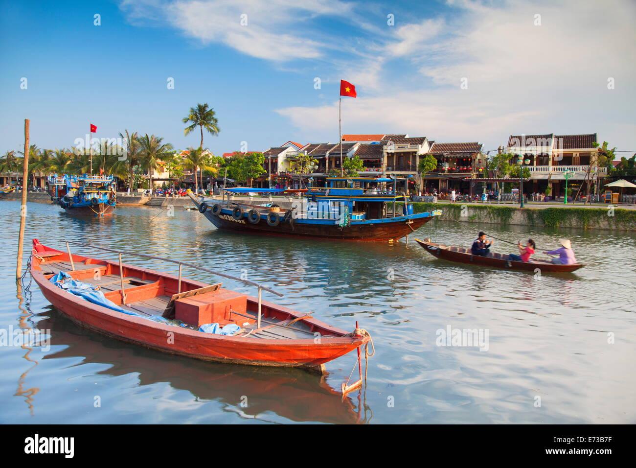 Bateaux sur la rivière Thu Bon, Hoi An, UNESCO World Heritage Site, Quang Nam, Vietnam, Indochine, Asie du Photo Stock