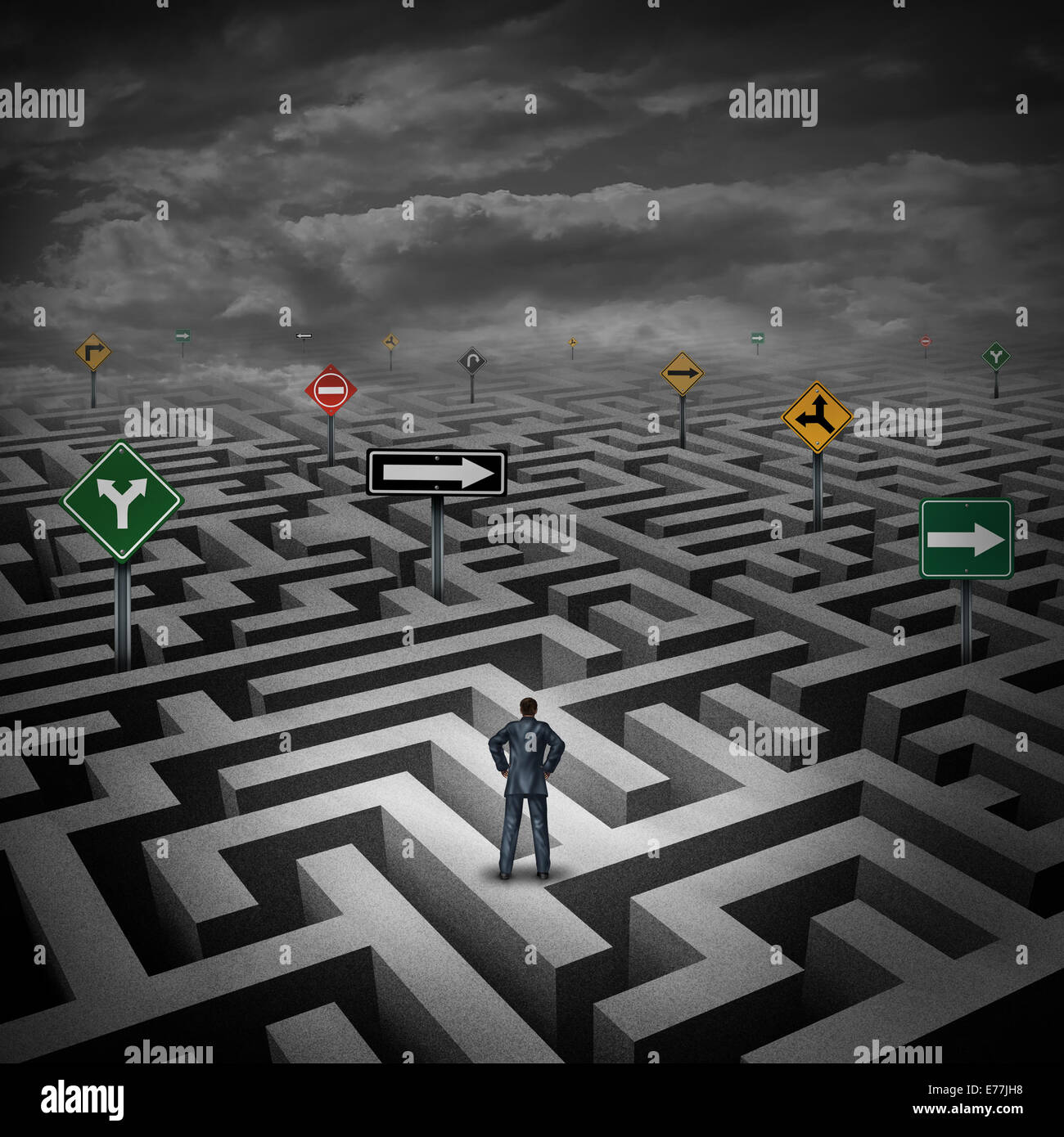 Crise stratégie concept comme un businessman standing on a trois dimensions ou labyrinthe labyrinthe déroutant direction signalisation routière comme une métaphore de la difficulté dans les affaires et le stress de la vie quotidienne. Banque D'Images