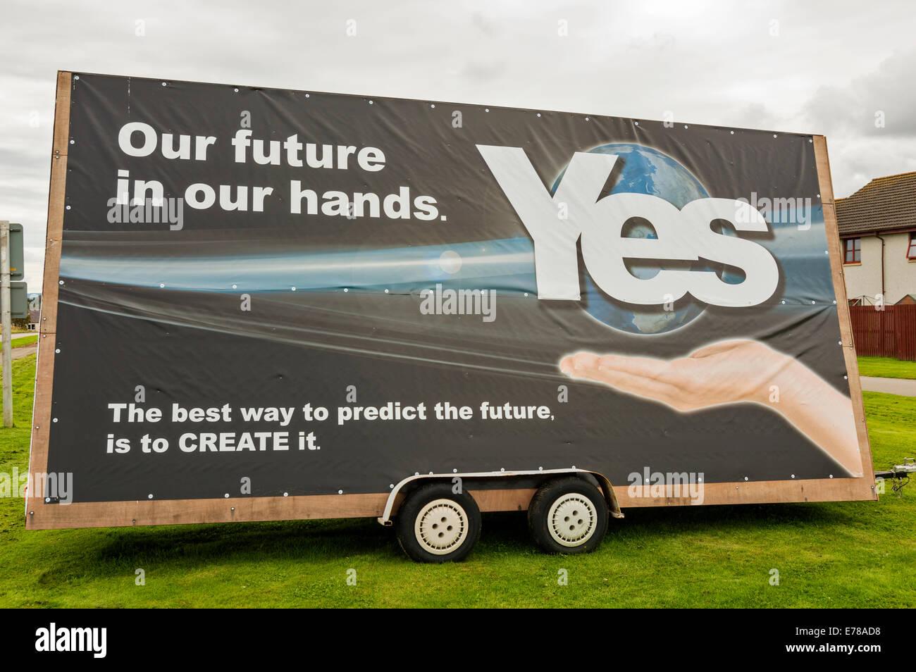 Référendum sur l'indépendance écossaise 2014 GRAND VOTE OUI SIGNER OU LE PANNEAU PUBLICITAIRE Photo Stock
