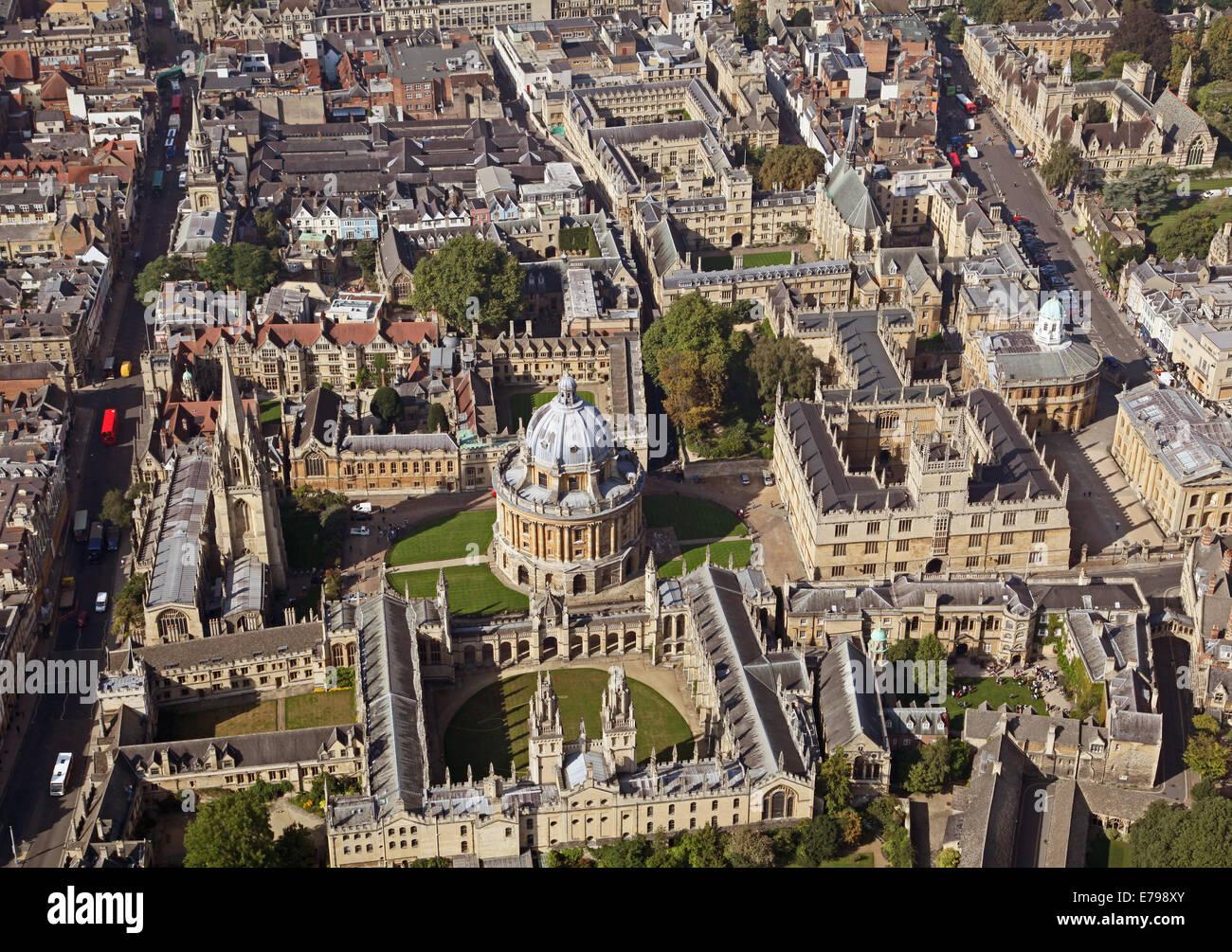 Vue aérienne du centre-ville d'Oxford avec les collèges universitaires et de la Bodleian Library d'éminents Photo Stock