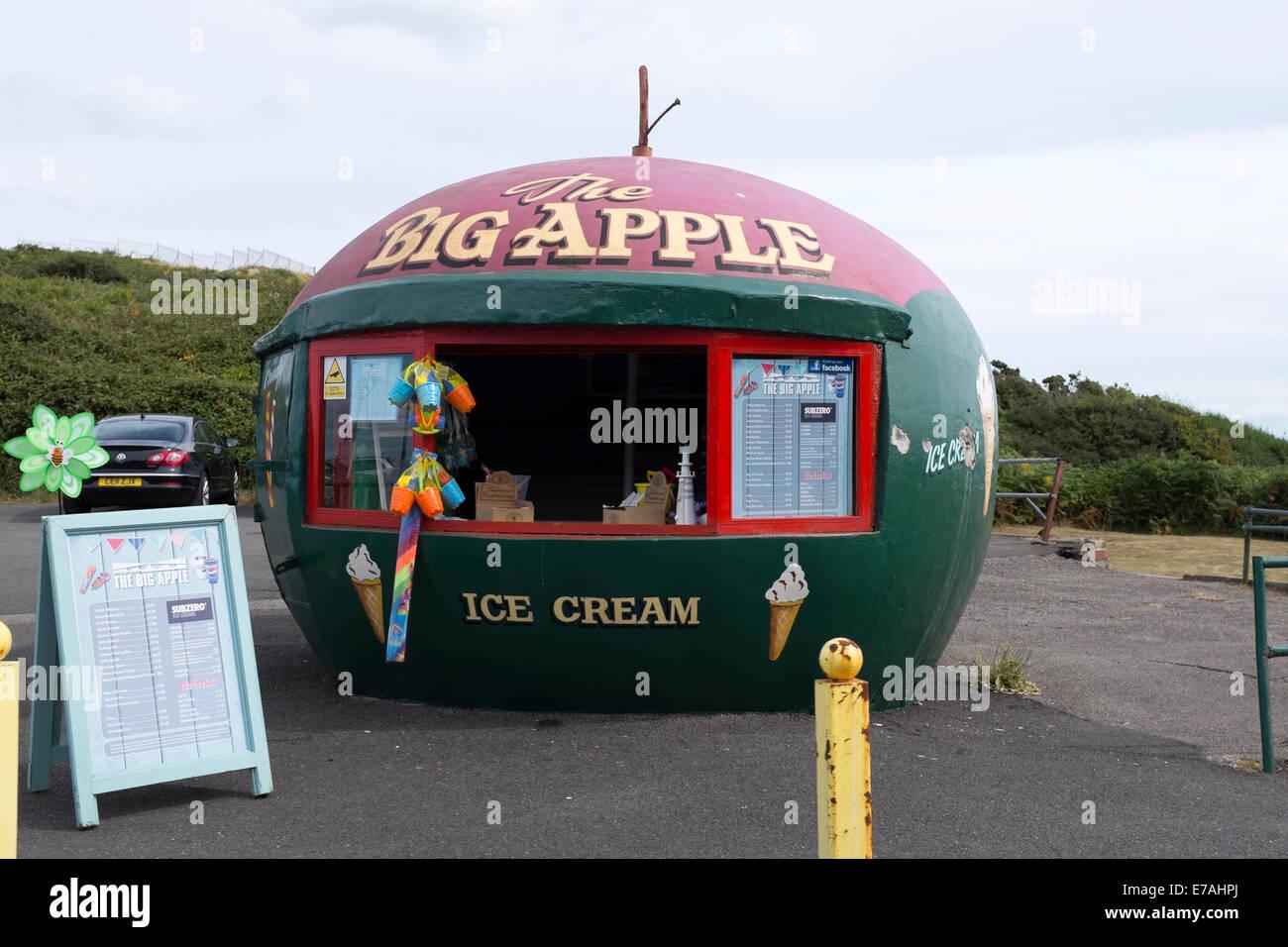 La Big Apple New York Stand Ice Cream Shop Stall Photo Stock