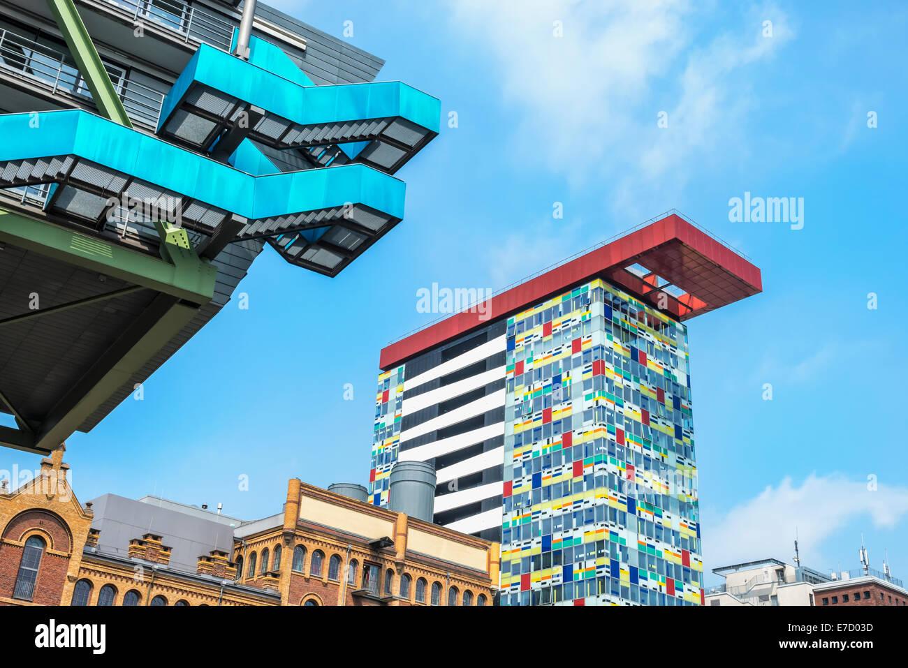 Bureau moderne et architecture de l'hôtel, port des Médias, Düsseldorf, Rhénanie du Nord-Westphalie, Allemagne Banque D'Images