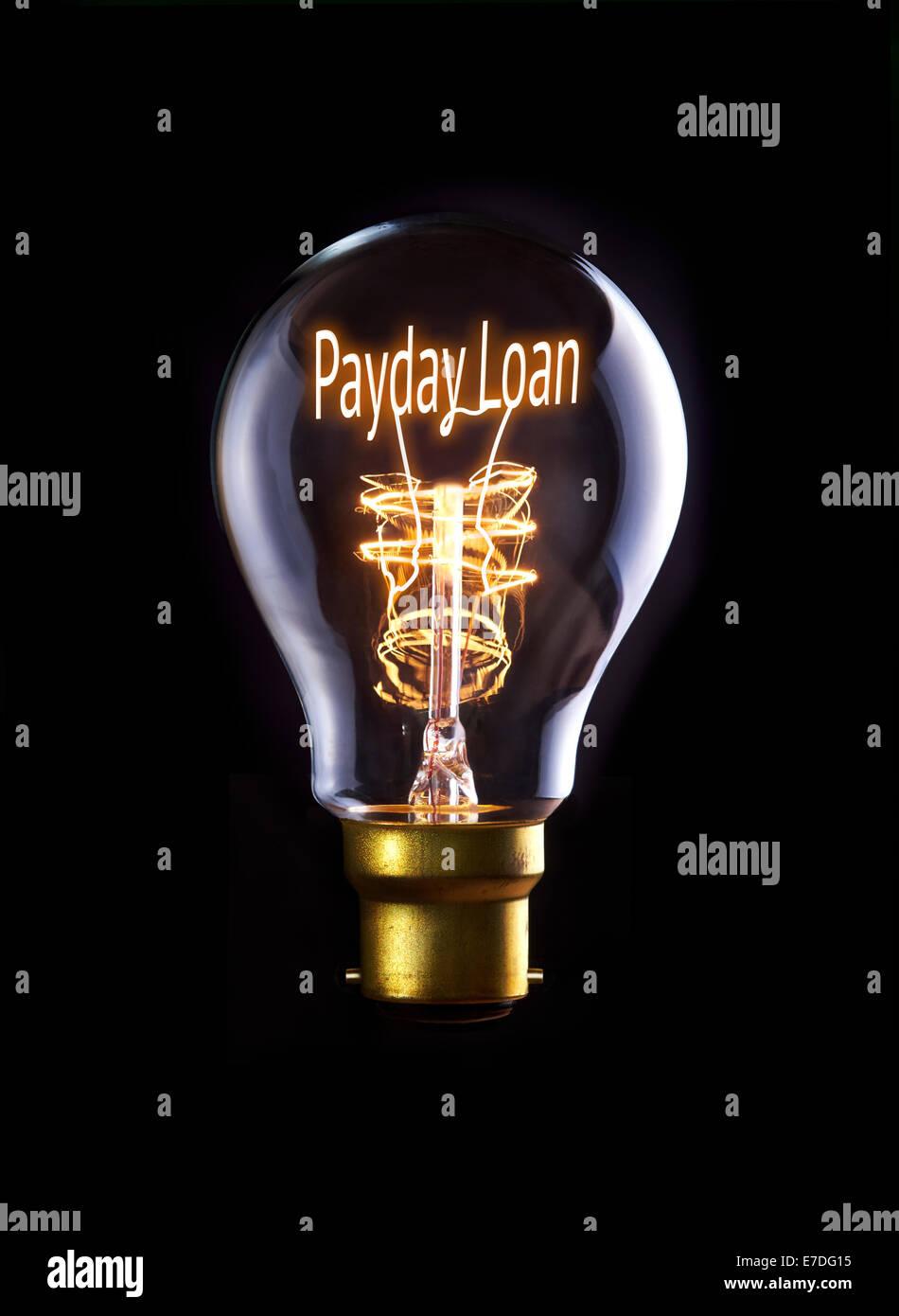Concept de prêt sur salaire dans une ampoule à incandescence. Photo Stock