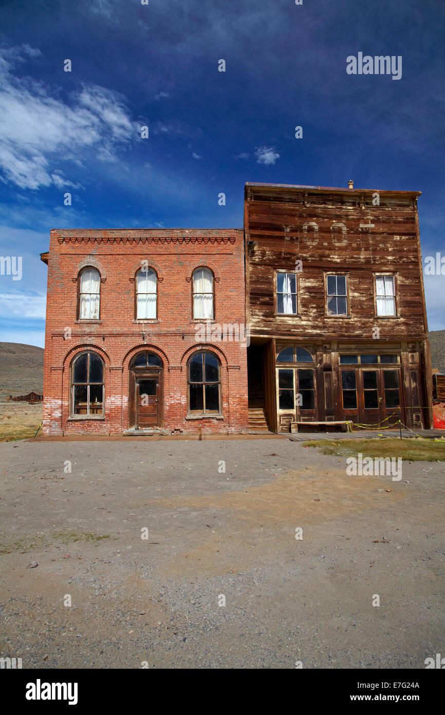 Bodie Bureau de poste et Hall IOOF Bodie, Ville Fantôme, Bodie Hills, comté de Mono, l'Est de la Sierra, Photo Stock