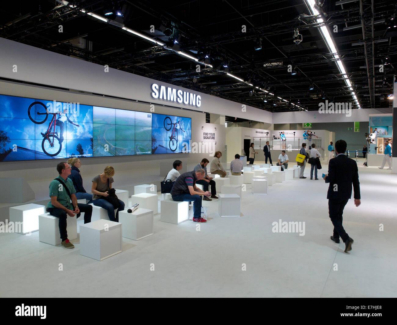 Le hall à la Photokina 2014 Samsung trade show. Cologne, NRW, Allemagne Banque D'Images
