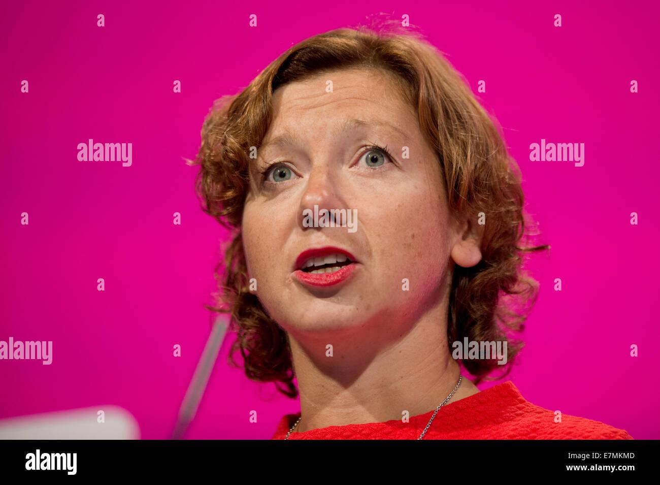 Manchester, UK. Sep 21, 2014. Mari Williams, du travail parlementaire du candidat pour Cardiff North, traite de Photo Stock