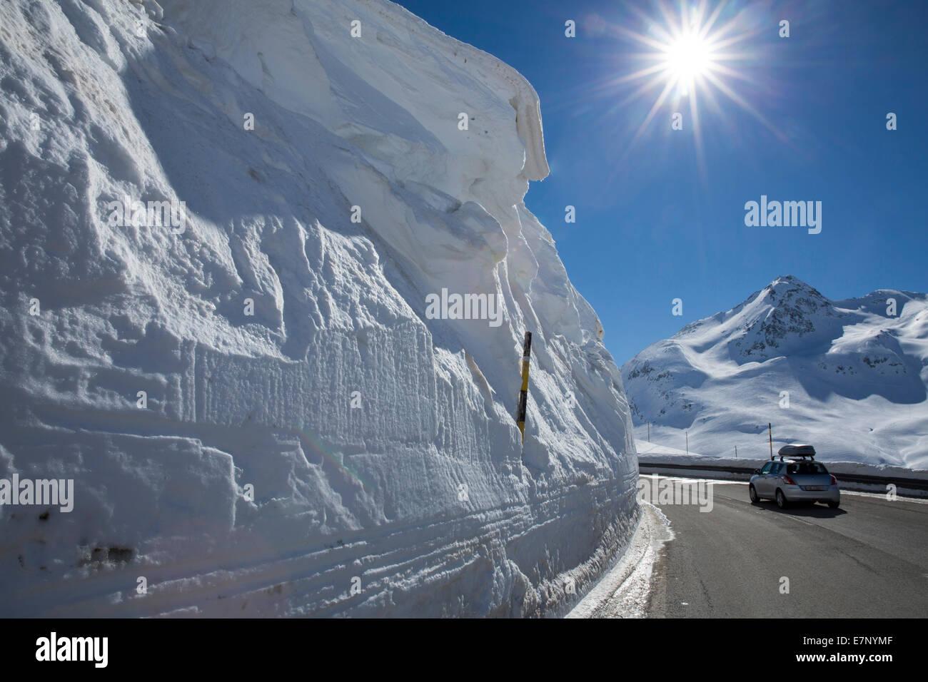 L'Engadine, Engadine, de haut, les murs de neige, col de la Bernina, rue, hiver, canton, GR, Grisons, Grisons, Photo Stock