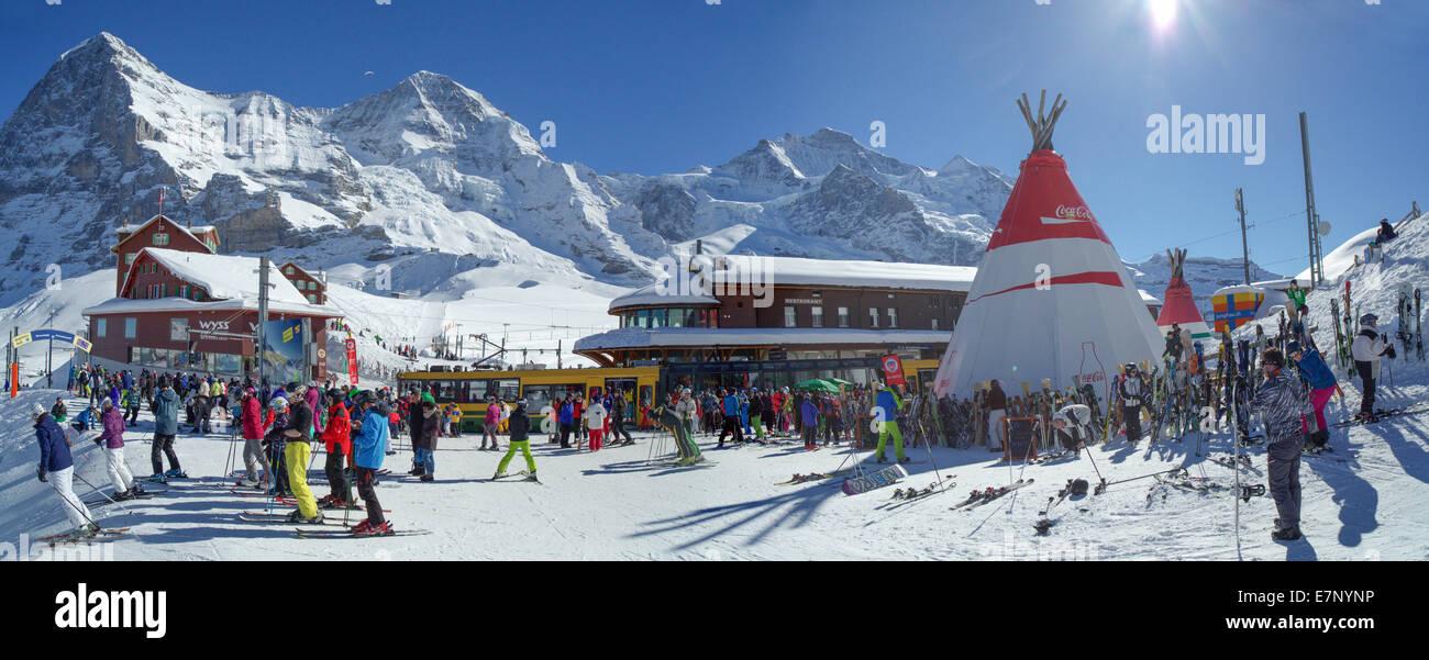 Chemin de fer de la Jungfrau, gare, Kleine Scheidegg, montagne, montagnes, Winters, canton de Berne, Tourisme, vacances, Photo Stock