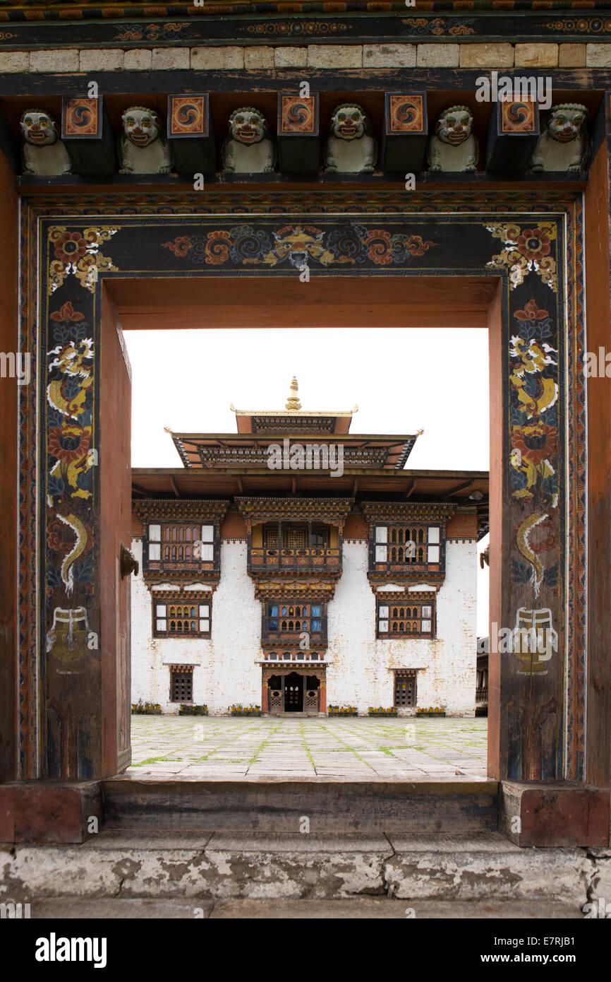 Trashi Yangtse Bhoutan oriental, vieux, Dongdi Dzong, passerelle en bois décorés Photo Stock