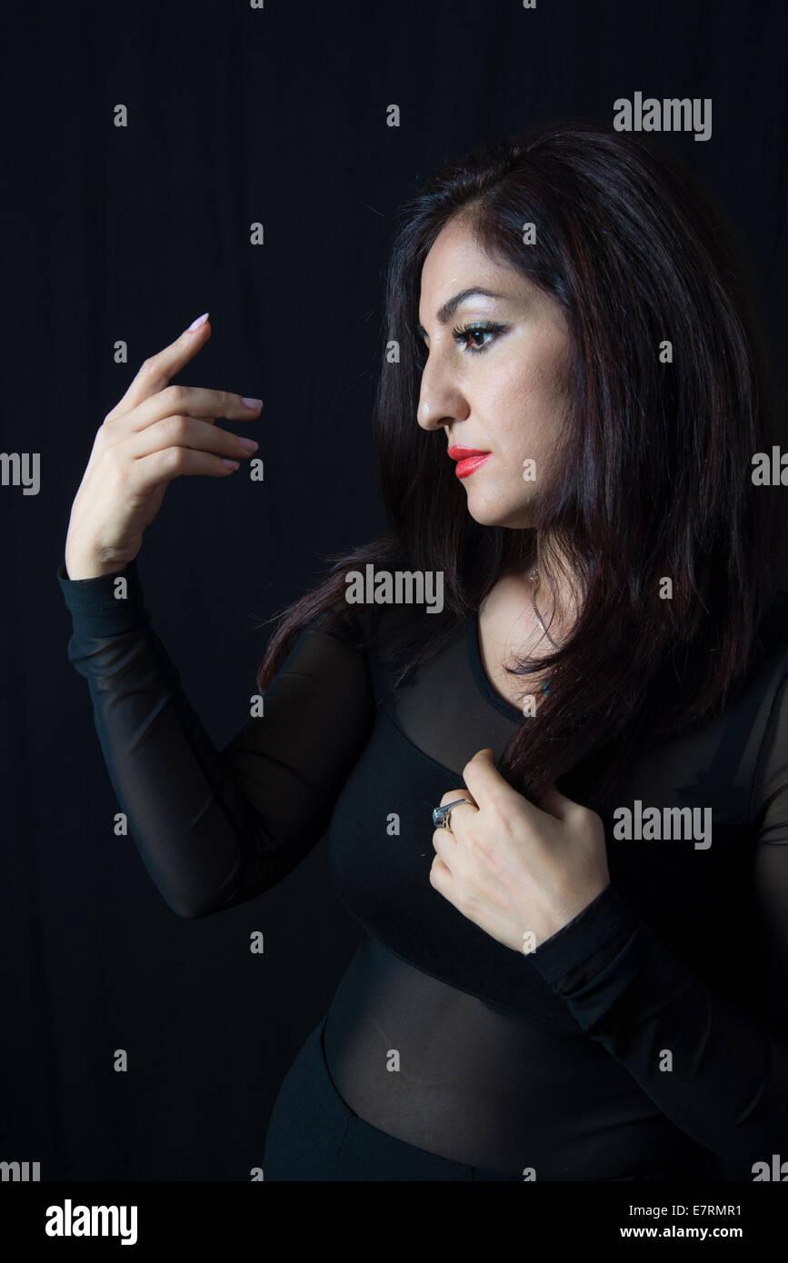 Portrait d'une belle femme dans la trentaine Photo Stock