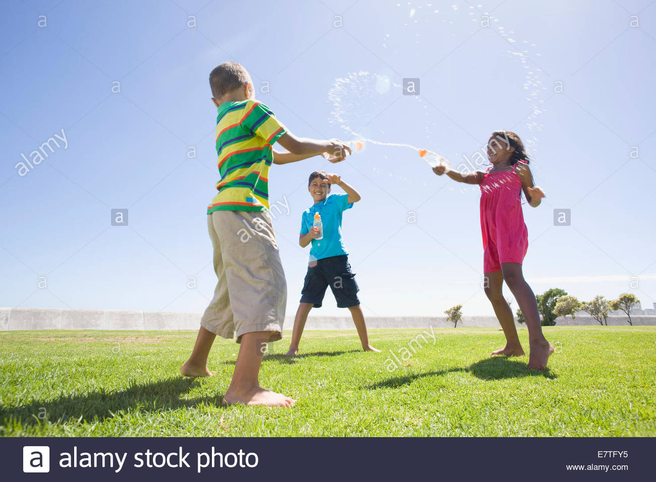 Les enfants de l'eau Fontaine à l'autre du park Photo Stock