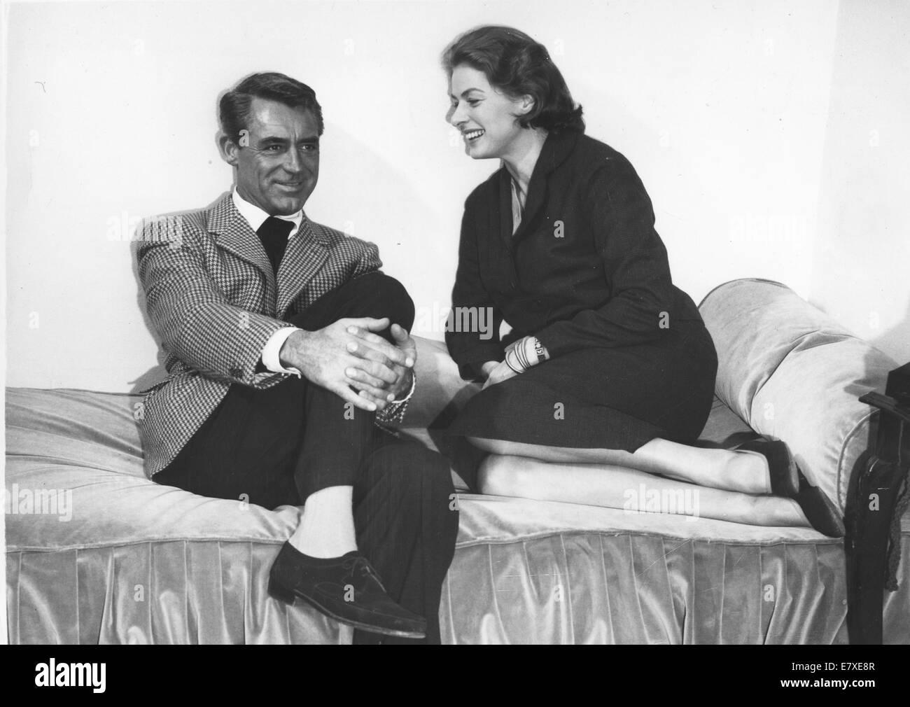 29 août 1982 - Ingrid Bergman (29 août 1915 - 29 août 1982) était une actrice suédoise qui a joué dans une variété de films européens et américains. Elle a remporté trois Oscars, deux Emmy Awards, quatre Golden Globe Awards et le Tony Award de la meilleure actrice. Elle est classée comme la quatrième plus grande star féminine du Cinéma Américain de tous les temps par l'American Film Institute. Elle est surtout connu pour ses rôles comme Ilsa Lund à Casablanca (1942), un drame de la Seconde Guerre mondiale, et qu'Alicia Huberman dans Notorious (1946), un thriller d'Alfred Hitchcock. Bergman est mort en 1982 pour son 67e anniversaire à Londres, de breas Banque D'Images