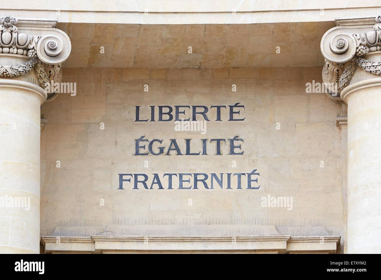 Liberté, égalité et fraternité mots à Paris, la devise de la Révolution française Photo Stock