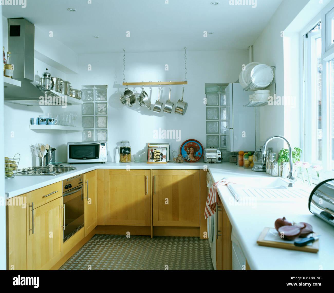 Cuisine Blanche Et Bois Clair monté en bois clair avec du blanc plateaux unités modernes