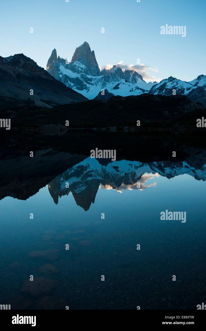 Fitz Roy, Laguna Capri, Parc National Los Glaciares, Site de l'UNESCO, Province de Santa Cruz, Argentine Photo Stock