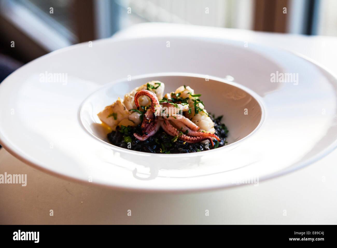 Repas calmars 15 alimentaire Jamie Oliver's Cornwall Cornish typique de pays de l'ouest Photo Stock