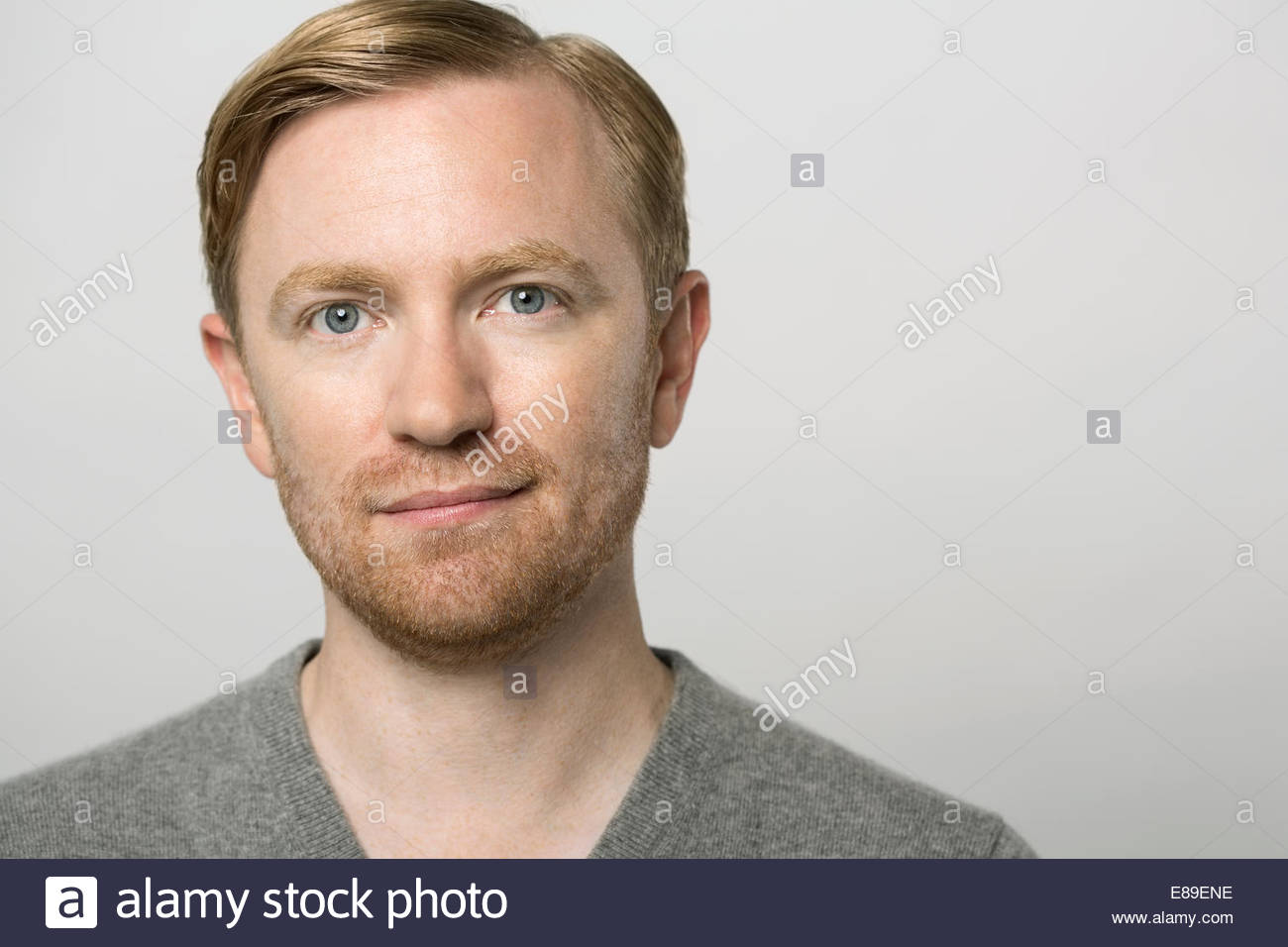 Portrait de l'homme contenu avec barbe Photo Stock