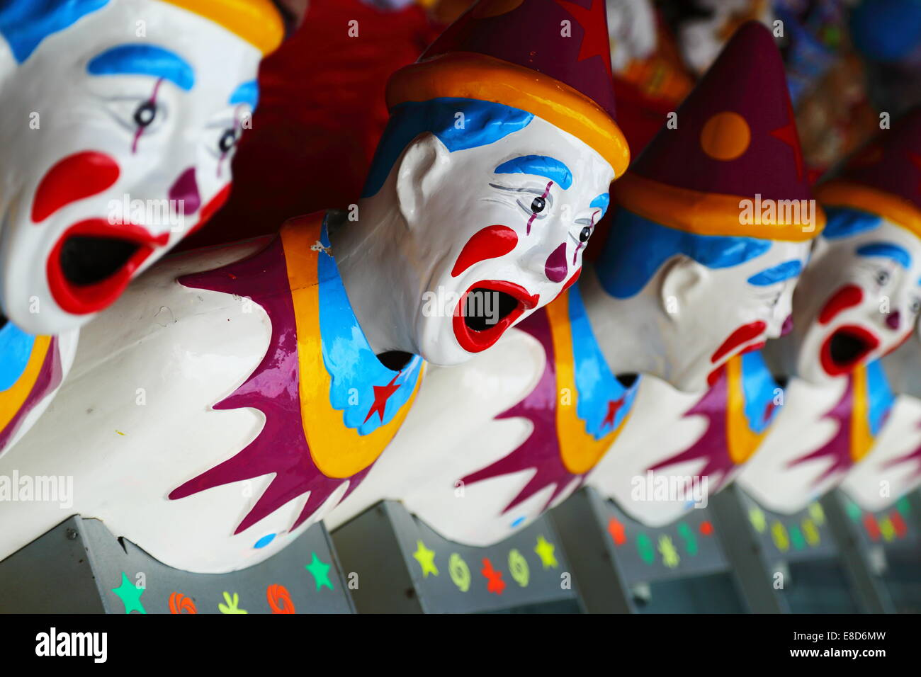 Laughing Clowns jeu de hasard à un sideshow alley stand au Royal Show de Perth, Australie occidentale. Photo Stock
