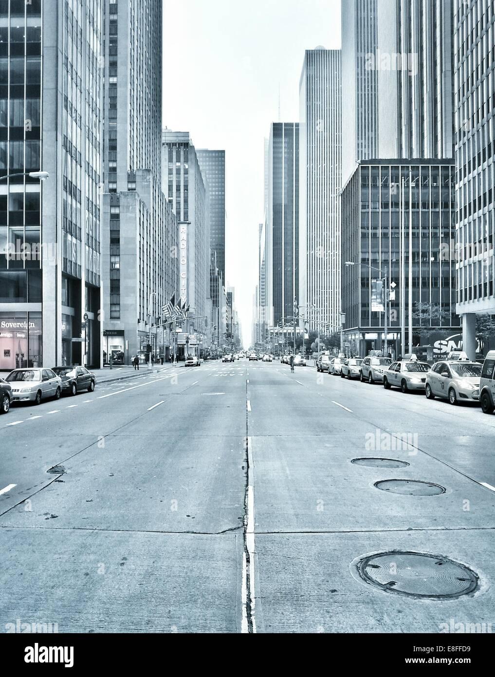 USA, l'État de New York, New York City, l'Avenue des Amériques Banque D'Images