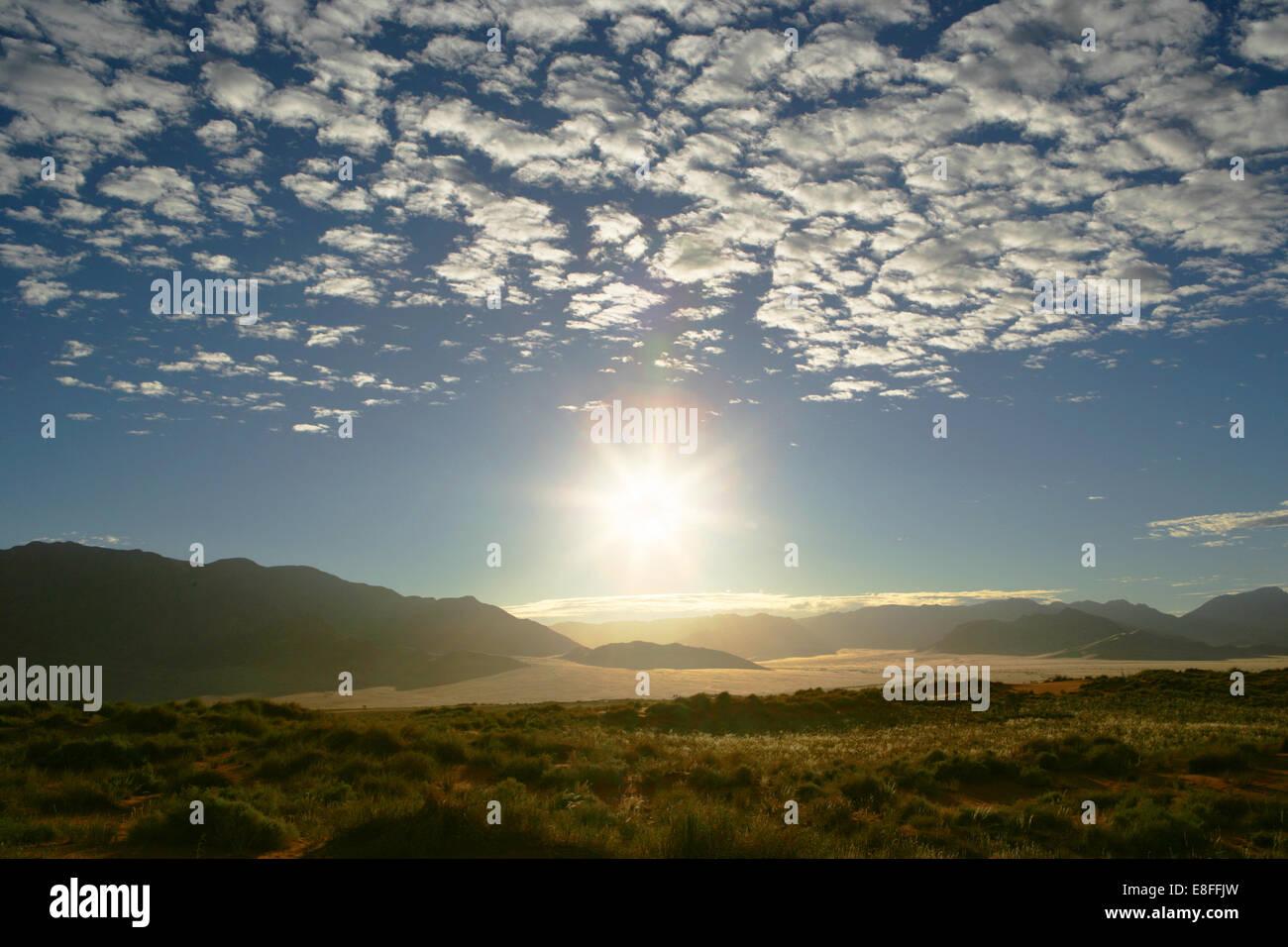 Paysage de montagne et désert au coucher du soleil, namib-naukluft national park, Namibie Photo Stock