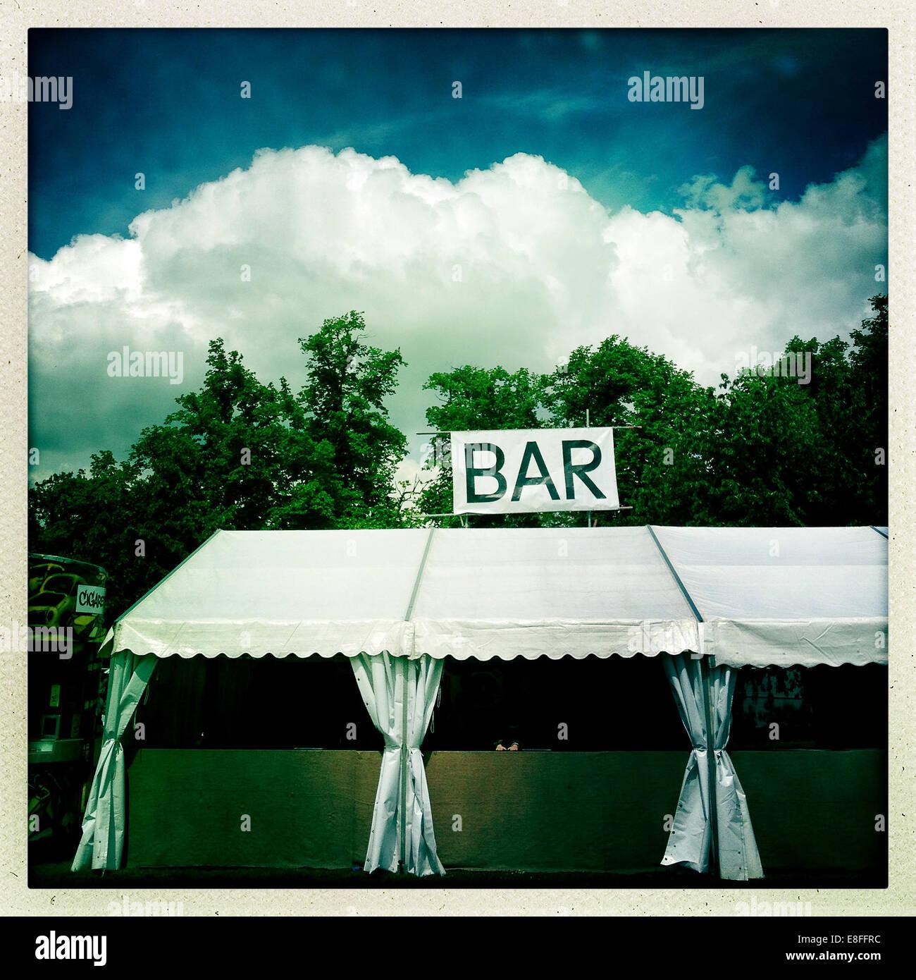 Bar vide tente au festival de musique Photo Stock