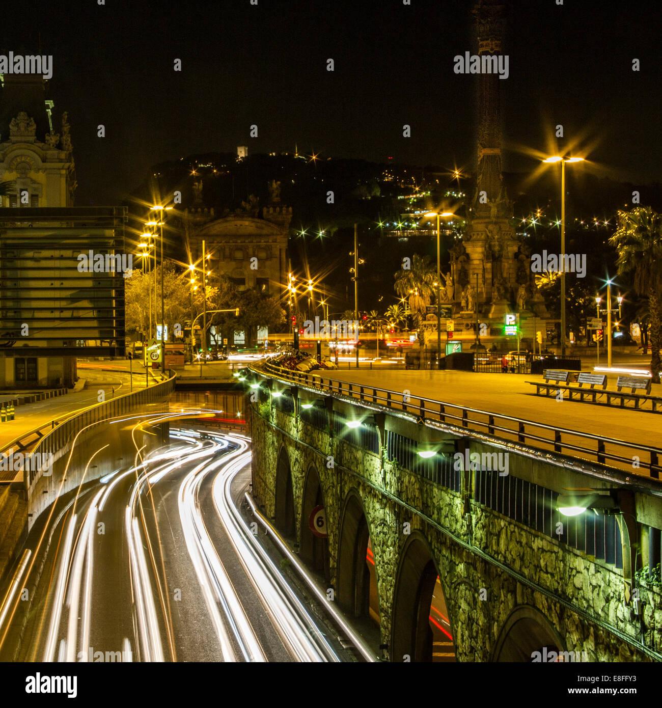 Des sentiers de lumière dans la ville, Barcelone, Catalogne, Espagne Photo Stock