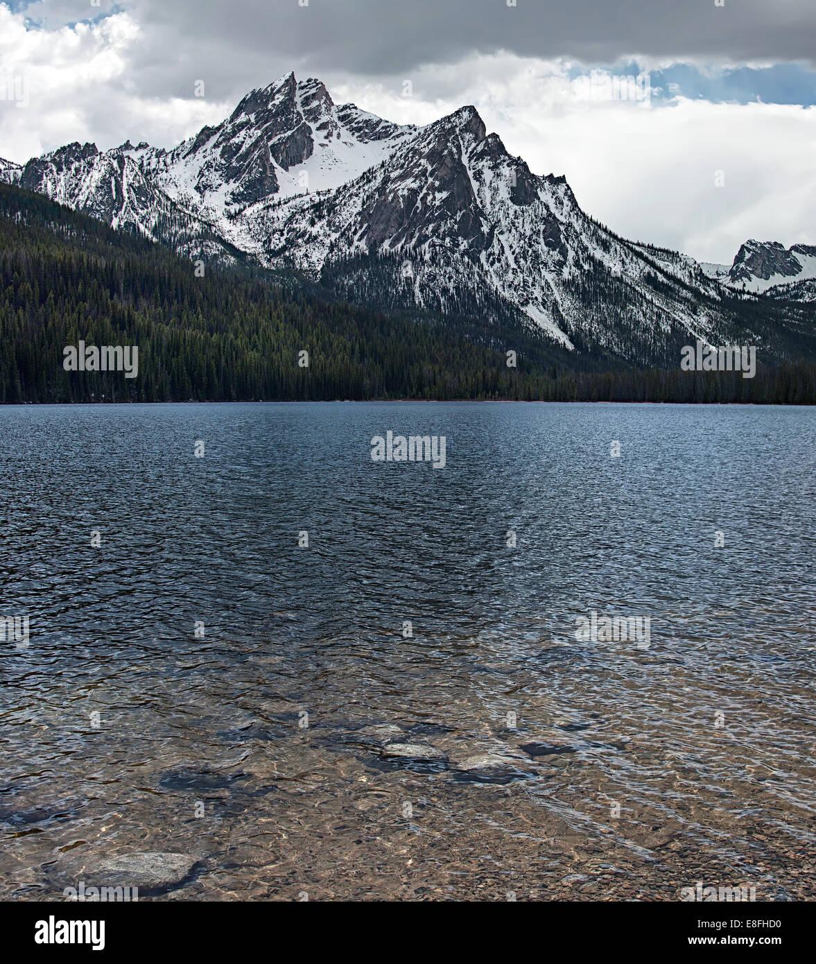 USA, New York, comté de Custer, Custer, Stanley Lake, Lac de montagne Photo Stock