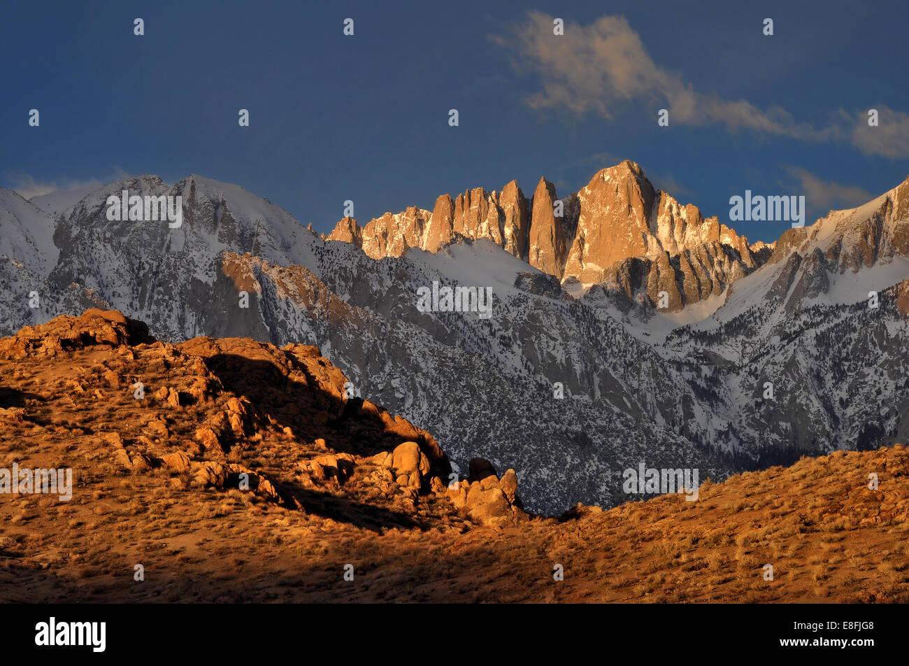 États-unis, Californie, l'Est de la Sierra Nevada, le Mont Whitney et Alabama Hills Photo Stock