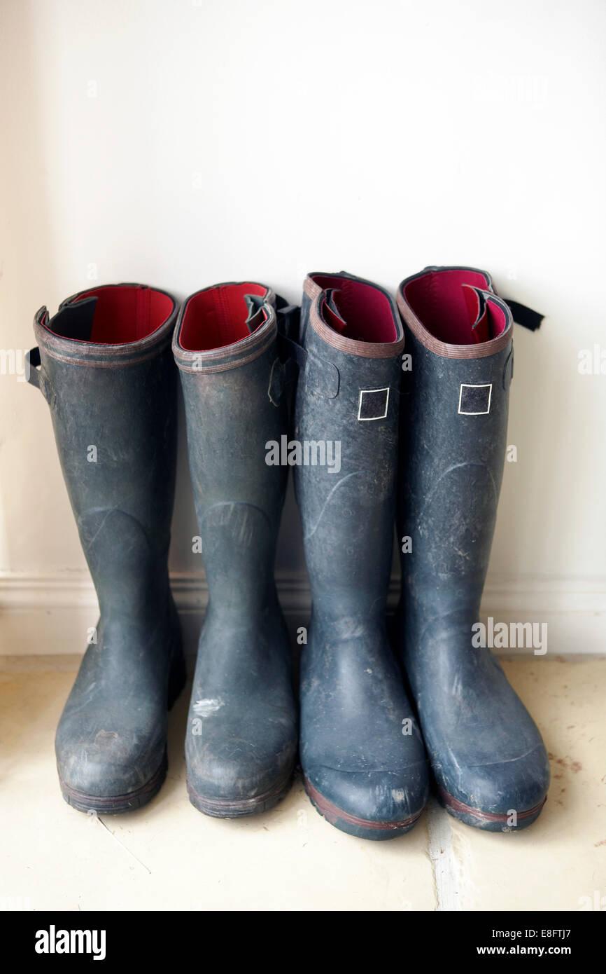 Royaume-uni, Angleterre, Glastonbury, deux paires de bottes Photo Stock