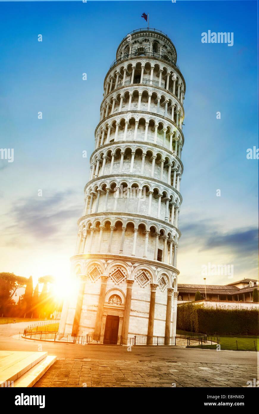 Pise, lieu de miracles: la tour penchée et le baptistère de la cathédrale, Toscane, Italie Photo Stock