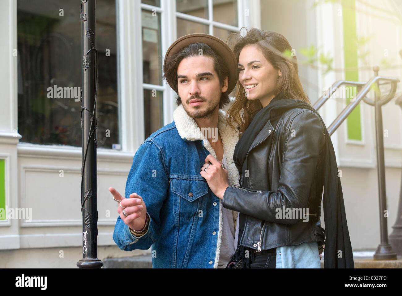 Couple en visite à Paris Photo Stock
