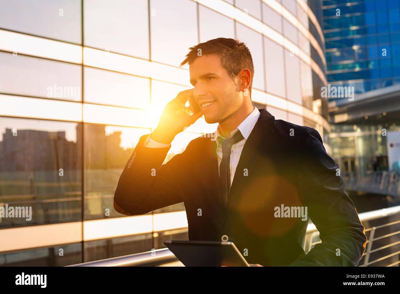 Businessman Using Phone Banque D'Images