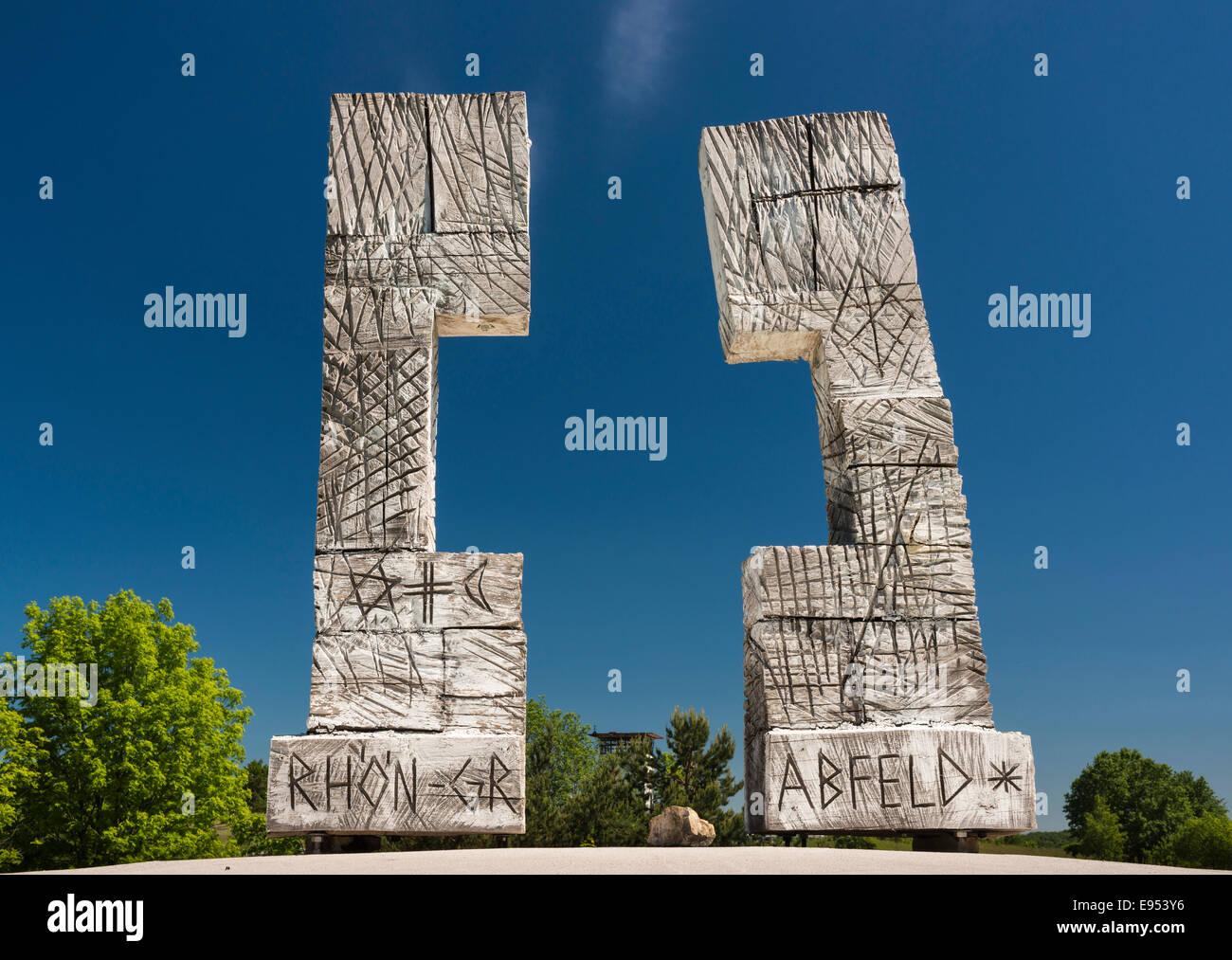 Installation 'Ouvrir Cross - une frontière surmonter', 2010, de l'artiste Gernot Ehrsam, Skulpturenpark Photo Stock