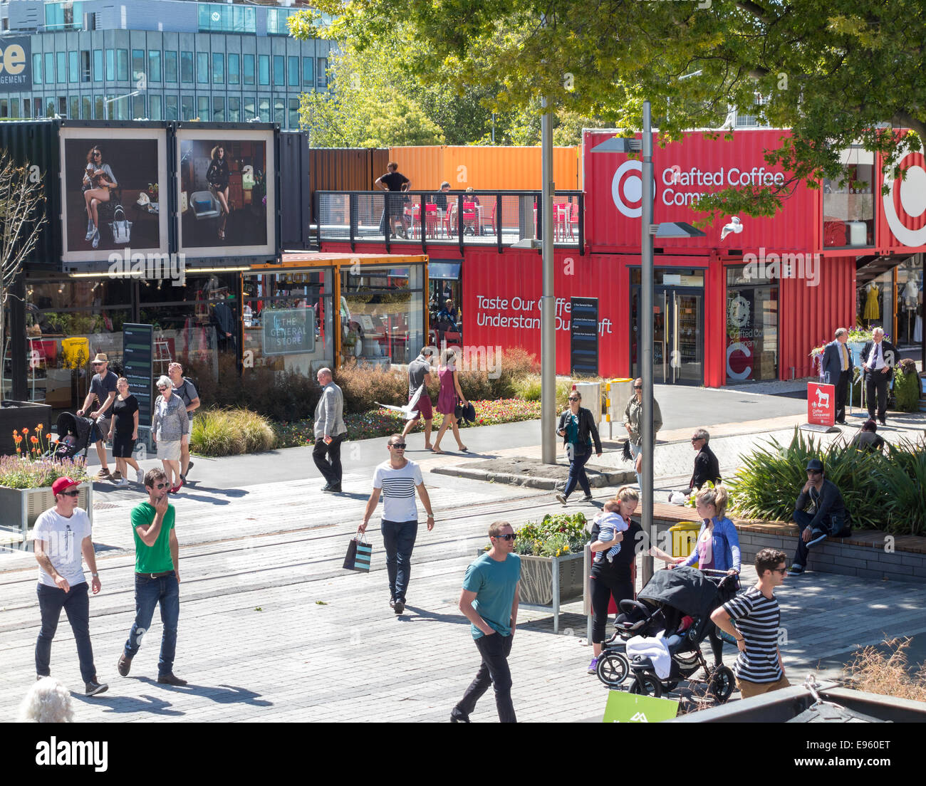 Conteneur de Christchurch Mall, Re:Start pop-up Mall ou Cashel Street Mall construit à partir de contenants Photo Stock