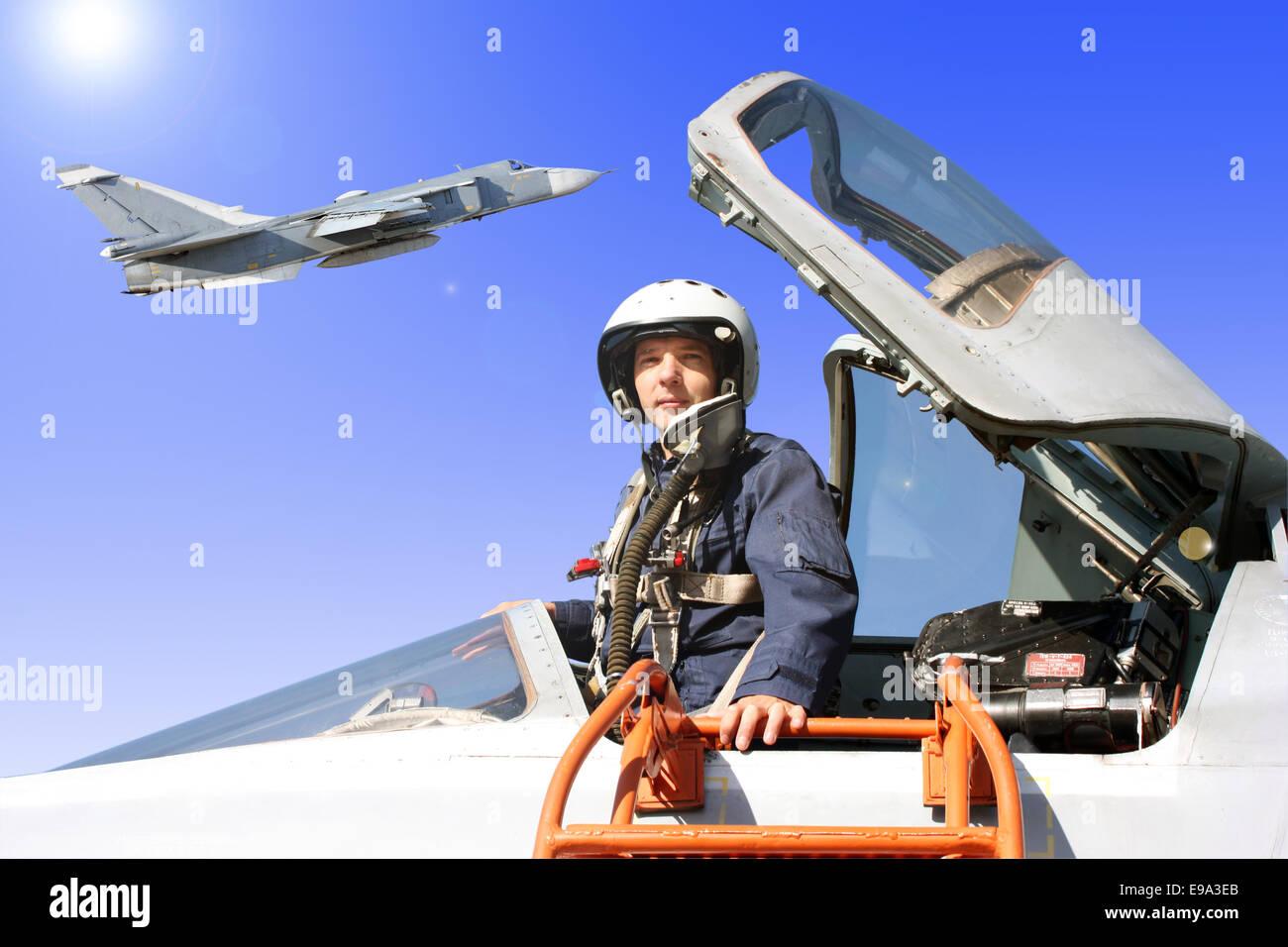 Le pilote militaire dans l'avion Banque D'Images