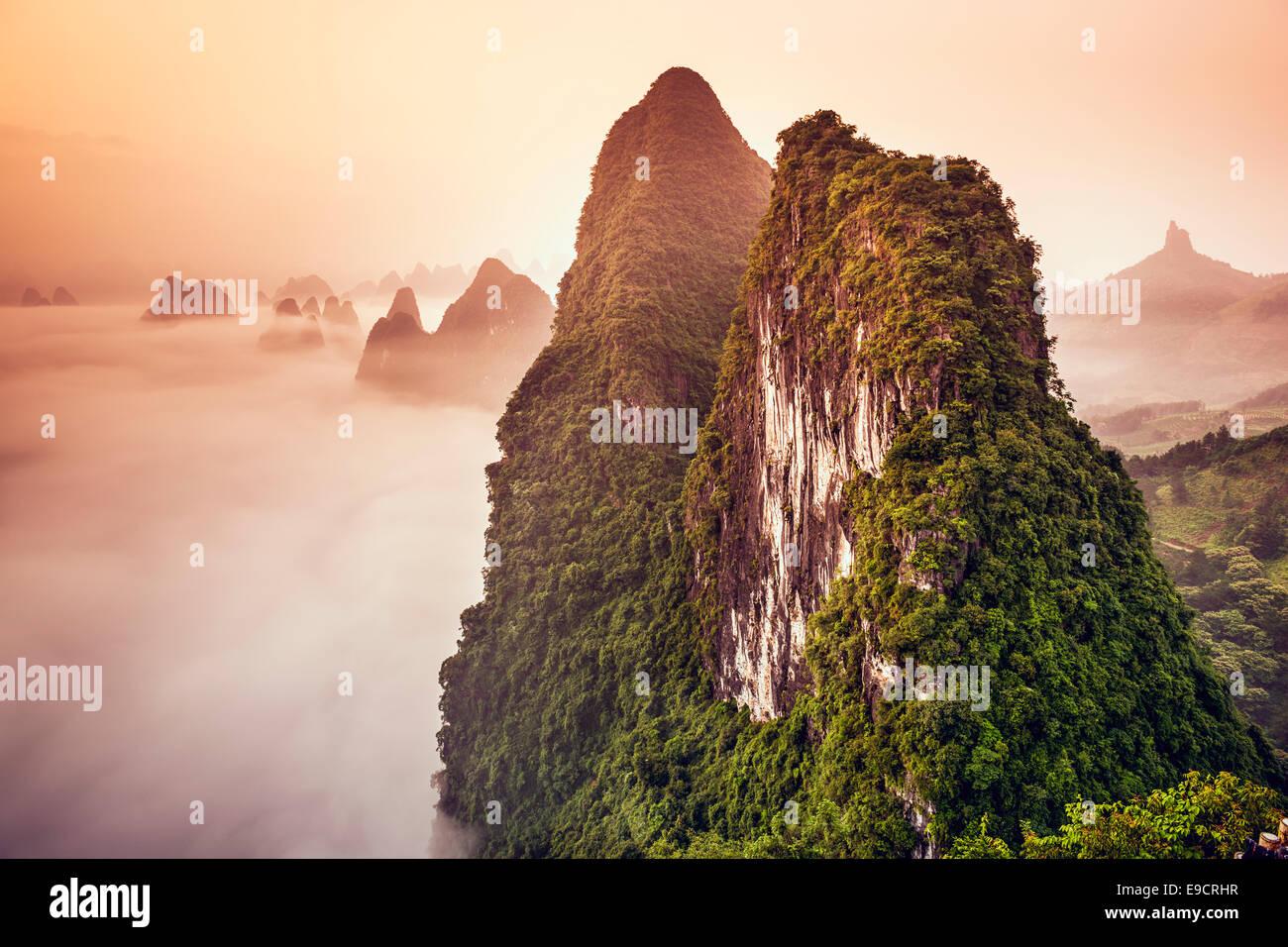 Montagnes karstiques de Xingping, Chine. Photo Stock