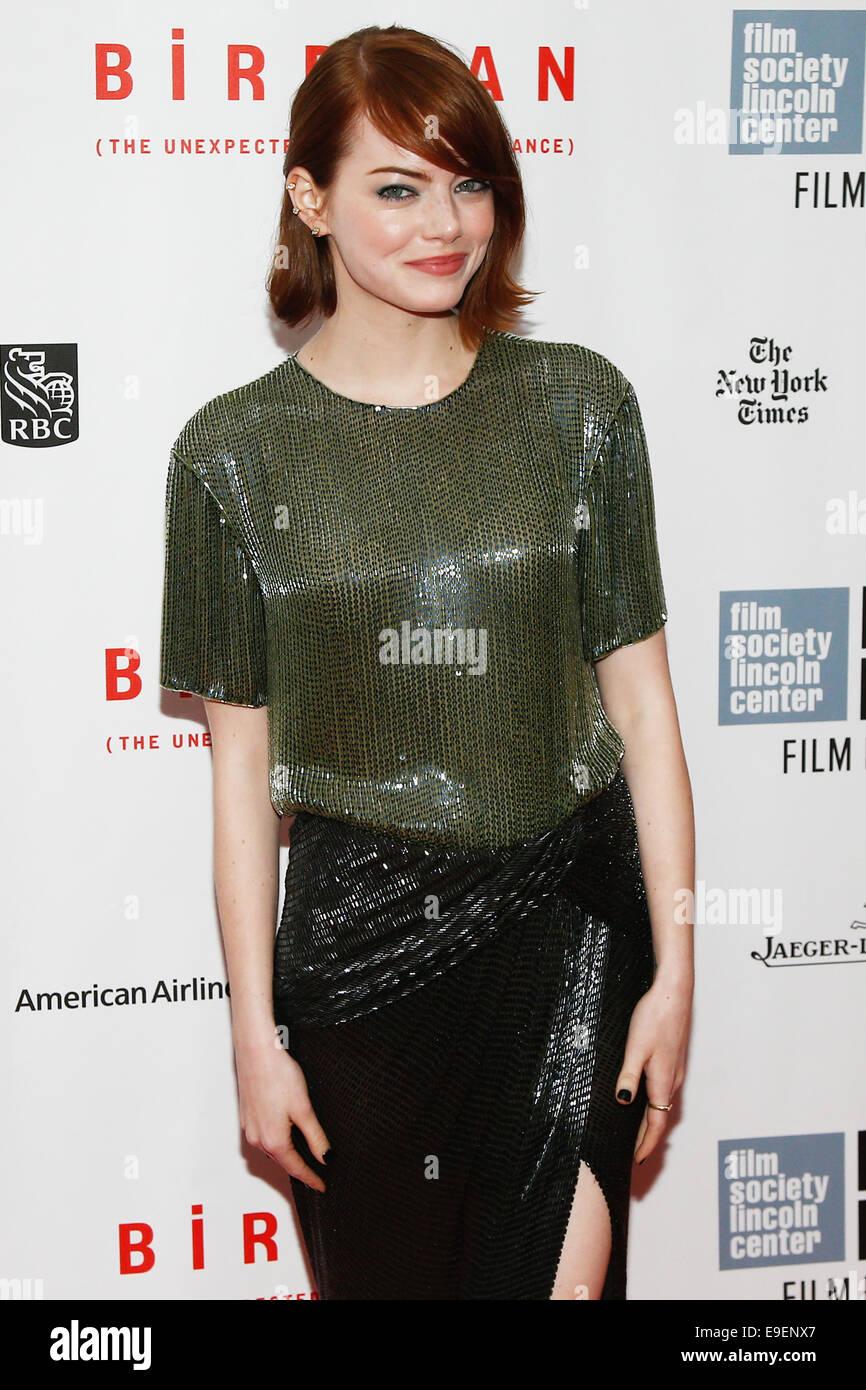 L'actrice Emma Stone assiste à la 'Birdman ou l'Imprévu fait de l'Ignorance' première Photo Stock