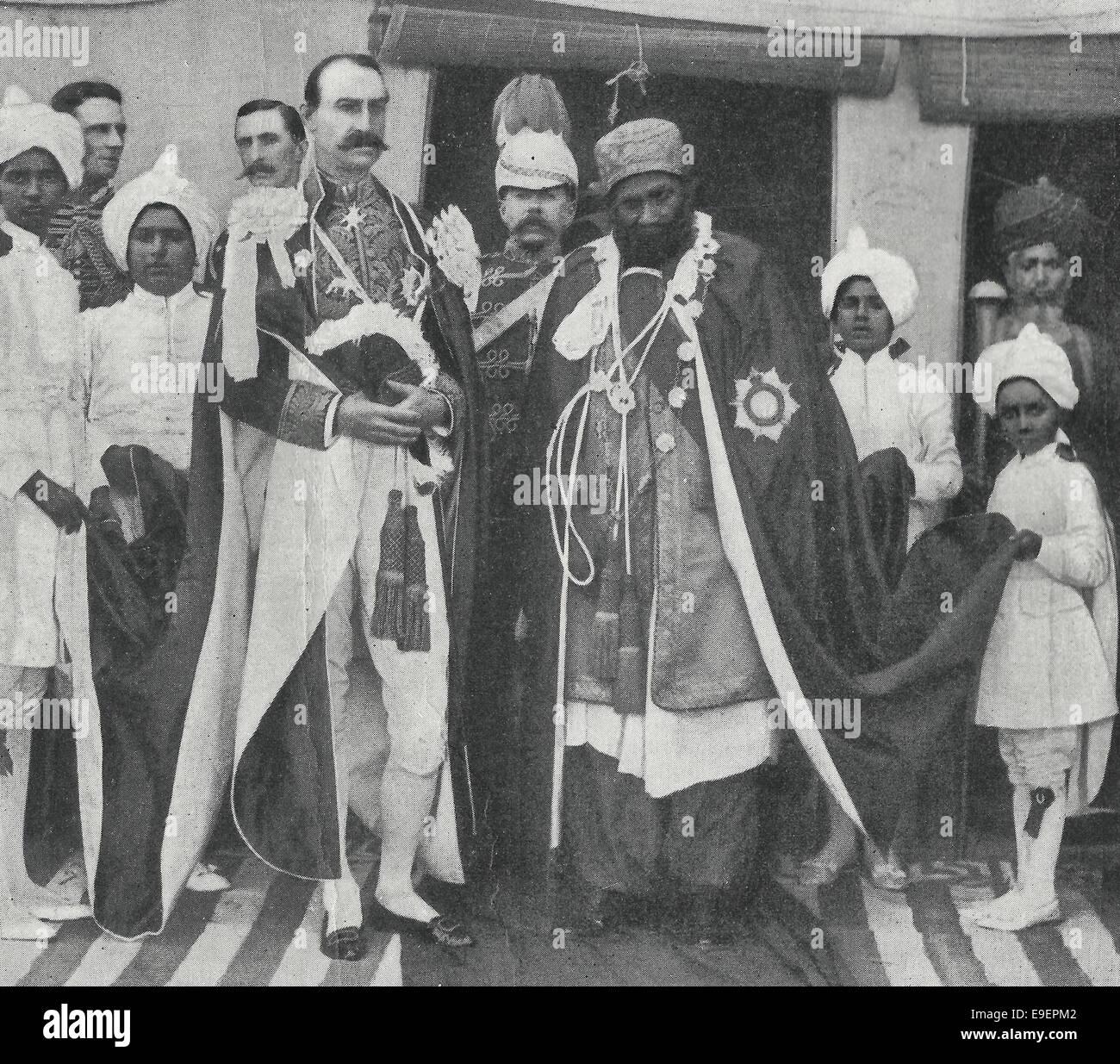 Son Excellence le Très Honorable Lord Sandhurst, gouverneur de Bombay avec S.S. le Mir de Khairpur, vers 1899 Photo Stock