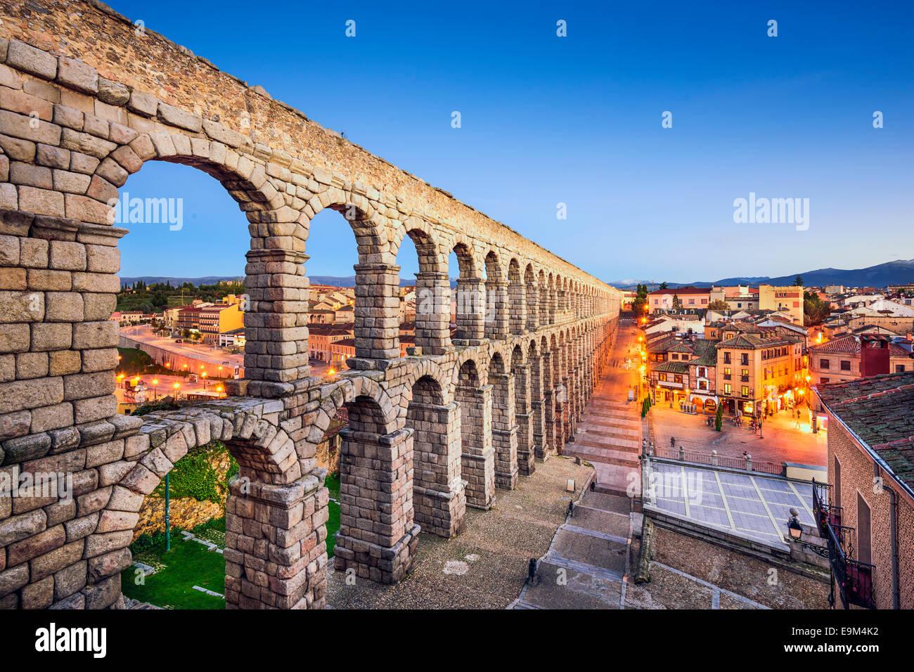 Segovia, Espagne à l'ancien aqueduc romain. Photo Stock