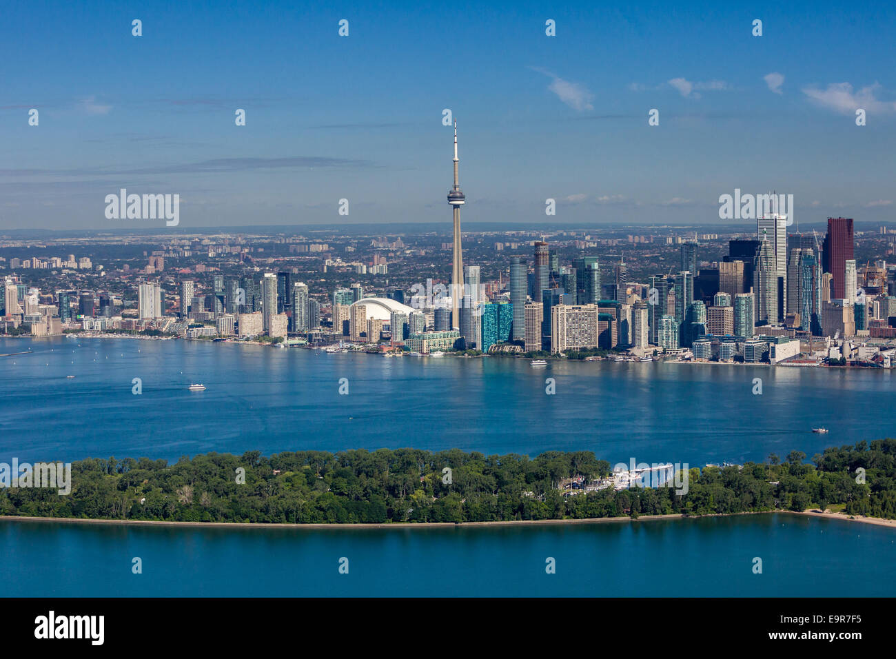 Vue aérienne de la ville de Toronto avec des îles au premier plan. Photo Stock
