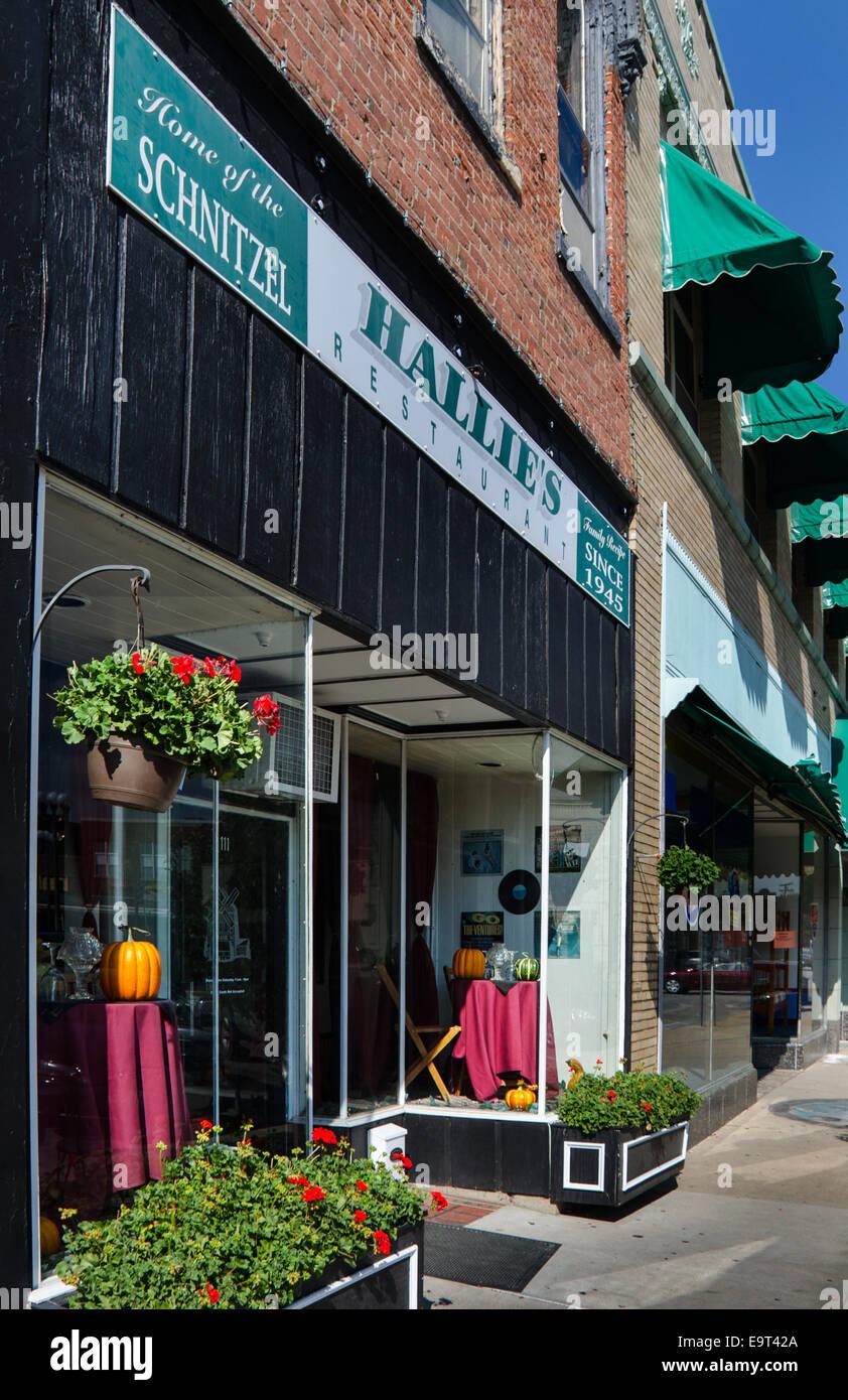 Hallie's on the Square restaurant à Lincoln , Illinois, une ville le long de la Route 66, a été au service de son Banque D'Images