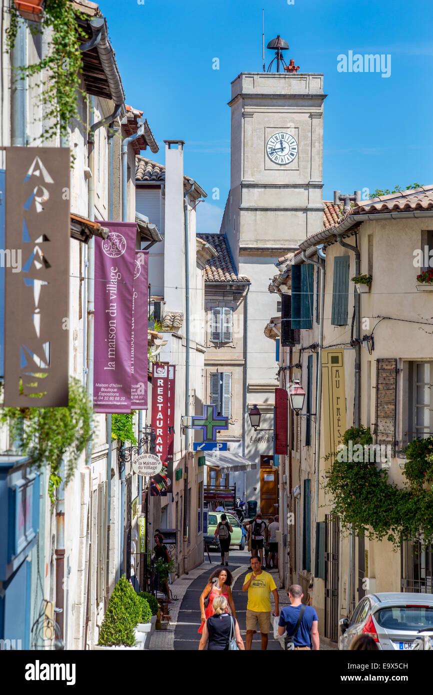 Saint Remy de Provence, étroite rue commerçante, Provence, France Photo Stock