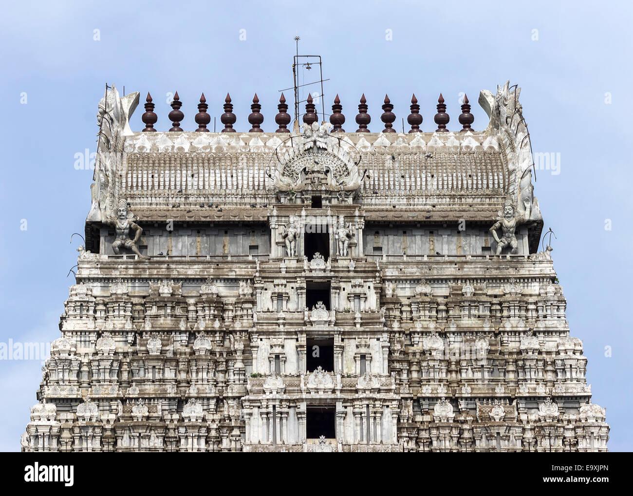 Temple Annamalaiyar, haut de l'est de gopuram Thiruvanamalaï dans. Photo Stock