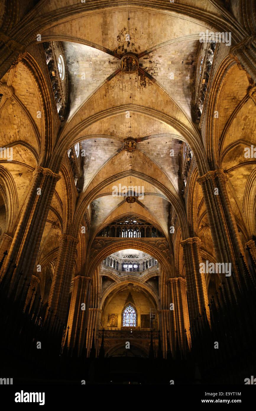 L'Espagne. La Catalogne. La Cathédrale de Barcelone. À l'intérieur. Nef et chœur central. Photo Stock