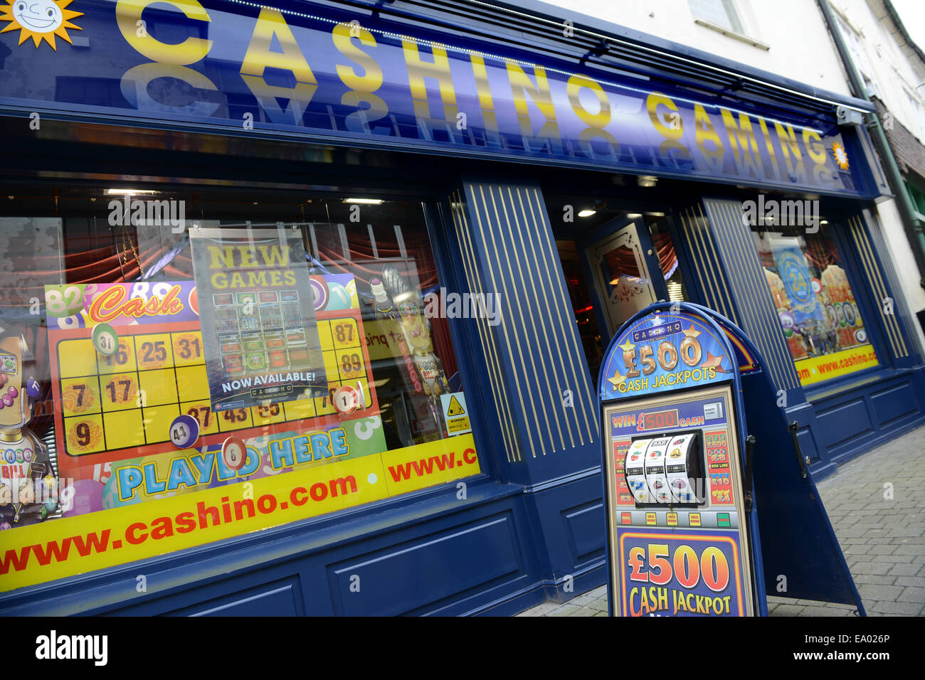 Jeux Casino boutique sur la rue Wellington, Nouvelle dans le Shropshire Uk casino slot machine Photo Stock