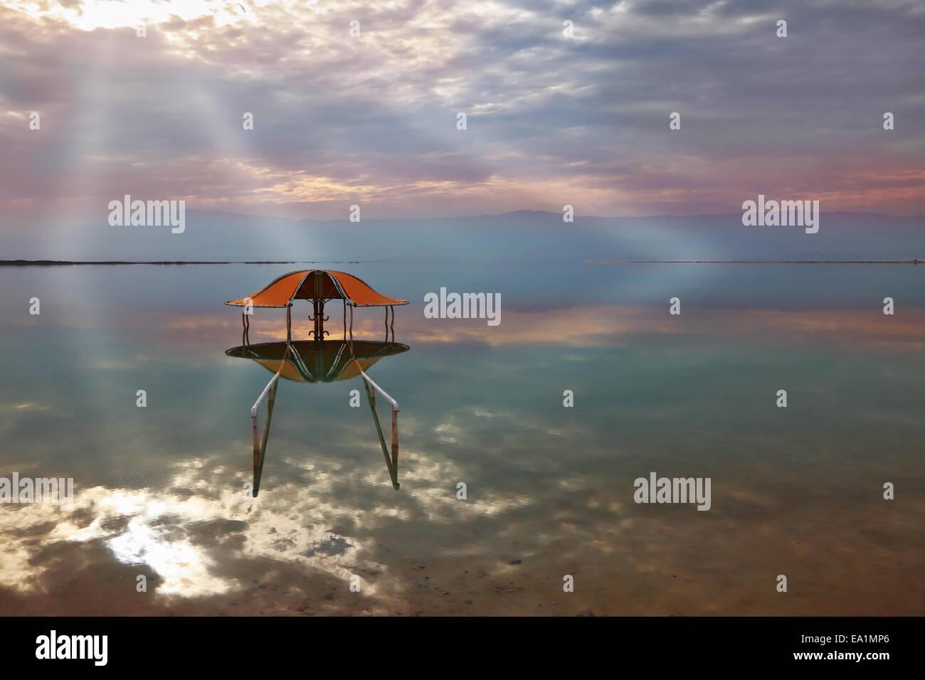 Un résultat visuel saisissant sur la Mer Morte Photo Stock