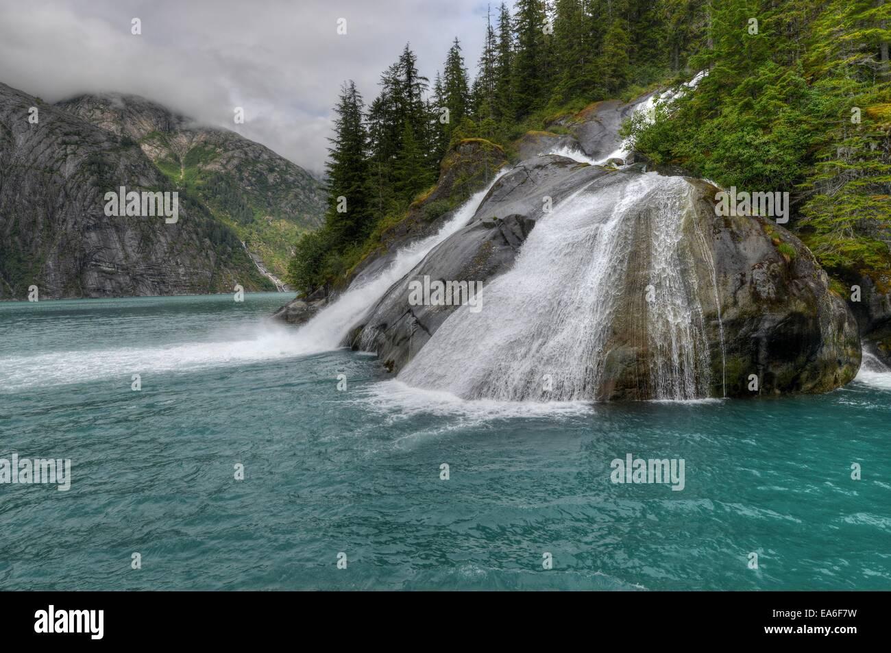 USA, Alaska, Juneau, la Forêt Nationale Tongass, chutes de glace dans le fjord Tracy Arm Photo Stock