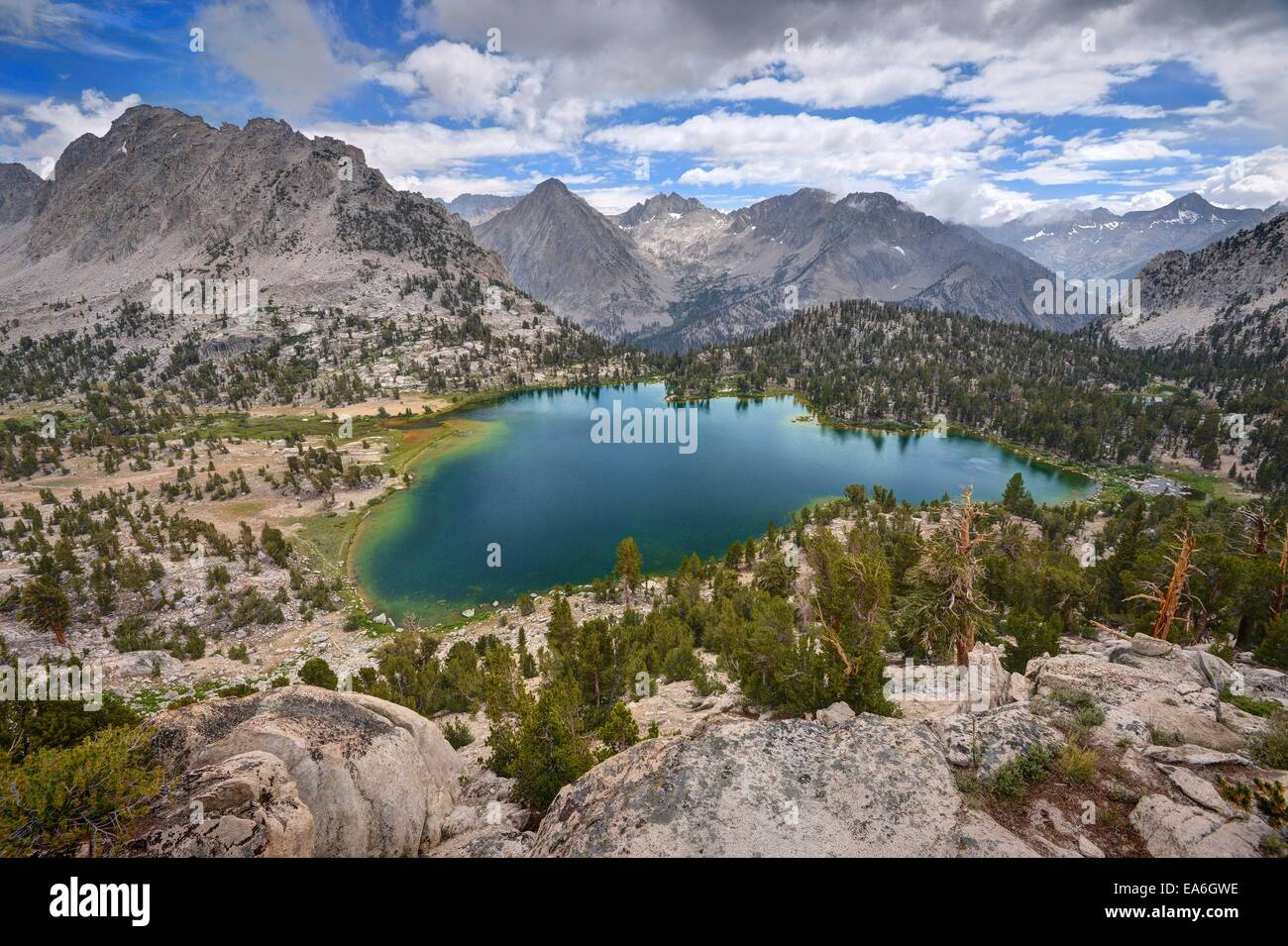 États-unis, Californie, Ansel Adams Wilderness Area, Inyo National Forest, Bullfrog spectaculaire Lake Photo Stock